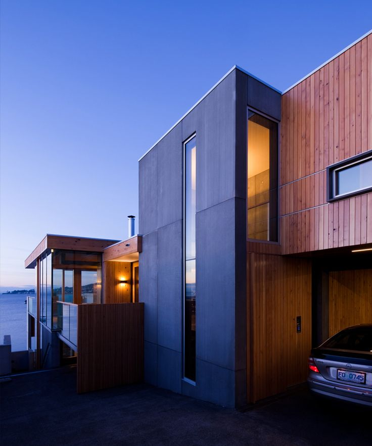 A Home Overhanging The Harbor In Hobart | #architecture #design #interior #exterior #design #modern #facade #contemporary