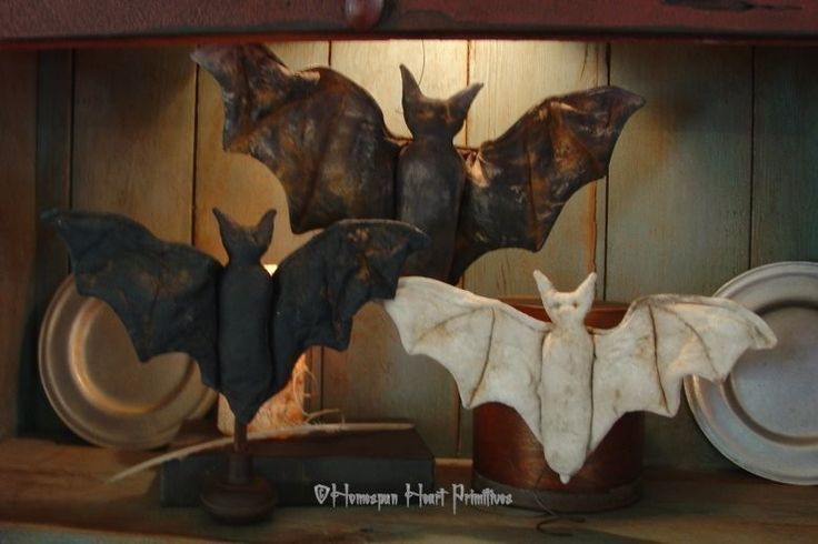 Primitive Halloween BATZ EPattern by homespunheartprim on Etsy #boden and #magicalmenagerie