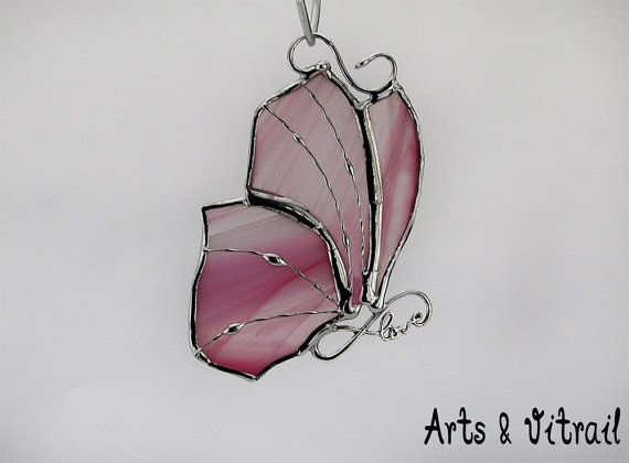 Papillon en vitrail  rose  corps LOVE infinity  4 x par ArtsVitrail