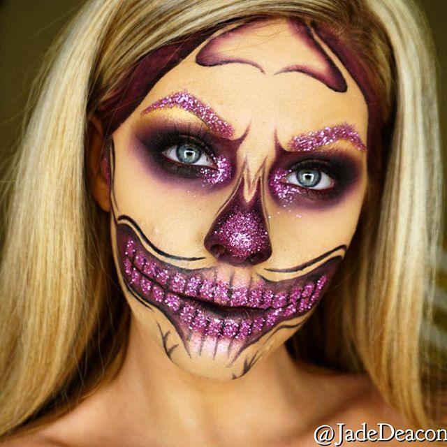 Pink glitter skull  Products: •Face: @maccosmetics NC30 •Brushes: @sigmabeauty brushes •Brows pink glitter from art&hobby shop •teeth/nose used @inglotireland black gel liner for all black outline + blended in with purple eyeshadow  #amazingmakeupart  #sigmabeauty #skull