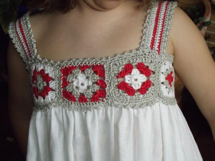 Vestido con canesú de crochet en cuadrados granny - Inspiración- ♥Teresa Restegui http://www.pinterest.com/teretegui/ ★♥