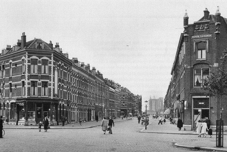 Paul Krugerstraat De IJszaak Hoek Bloemfonteinstraat  1962