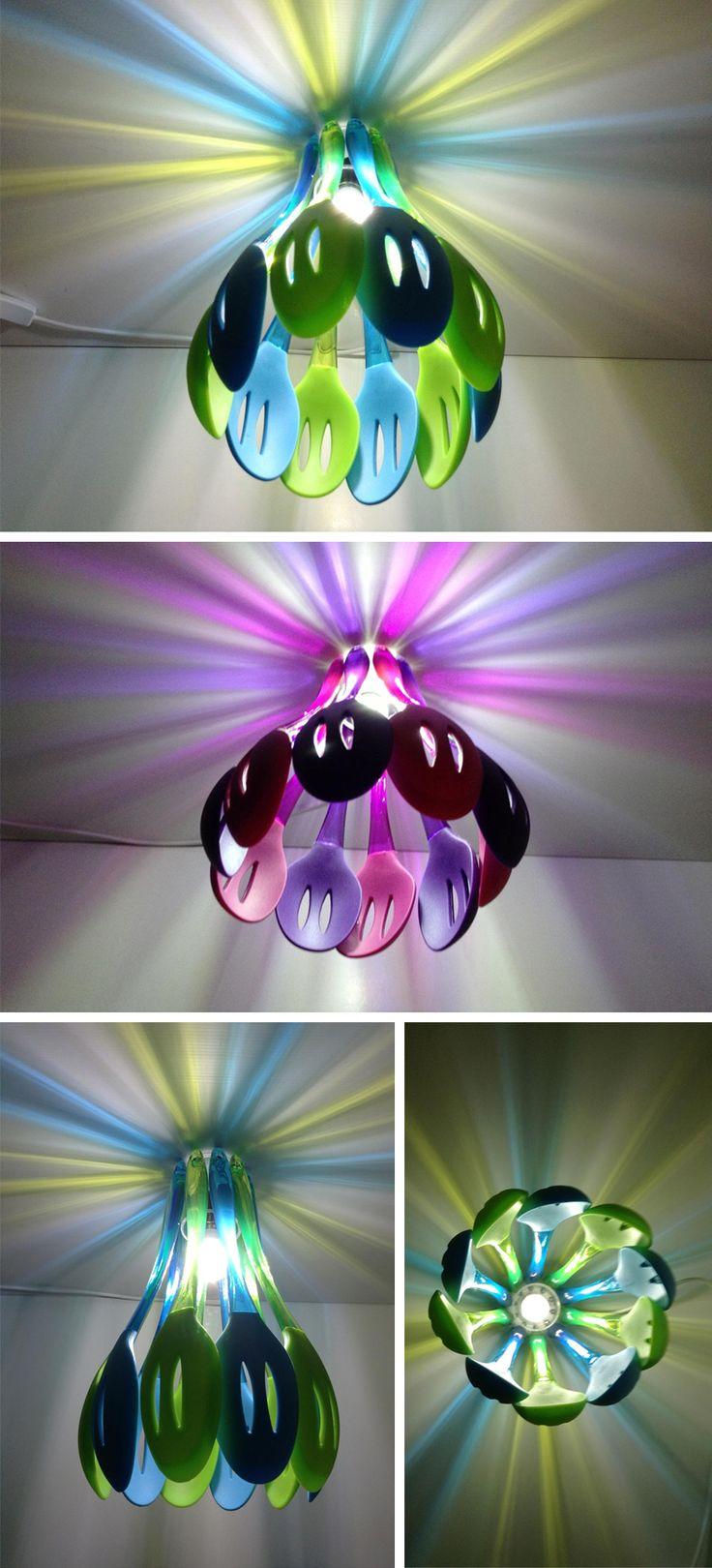 Lámpara con espátulas de colores ♪ ♪ ... #inspiration_diy GB