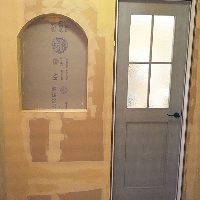 4ldkで 家族の 玄関 入り口 Lixil アンティーク風 リクシル ドア