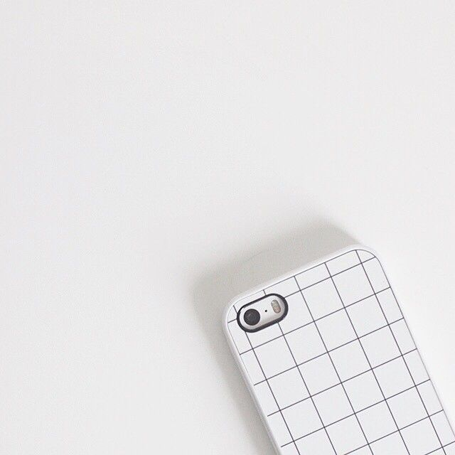 Via Veruvo | Minimal Grid iPhone Cover