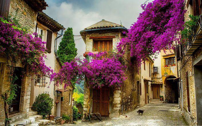 Pequena Cidade na Província, França