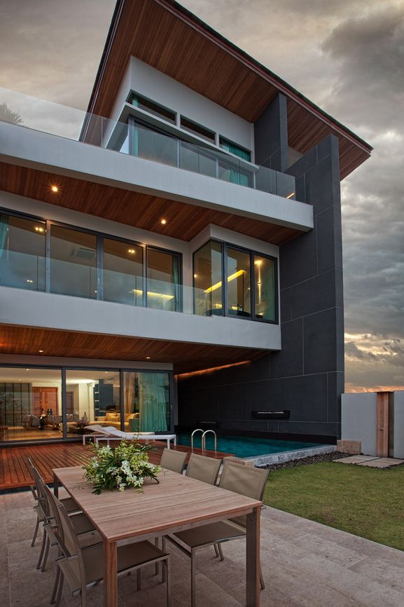 32 Modern Home Designs (Photo Gallery) Exhibiting Design Talent