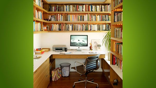 i like that it's rich in books but still looks so quiet and peaceful bec of the uncluttered desktop space :)