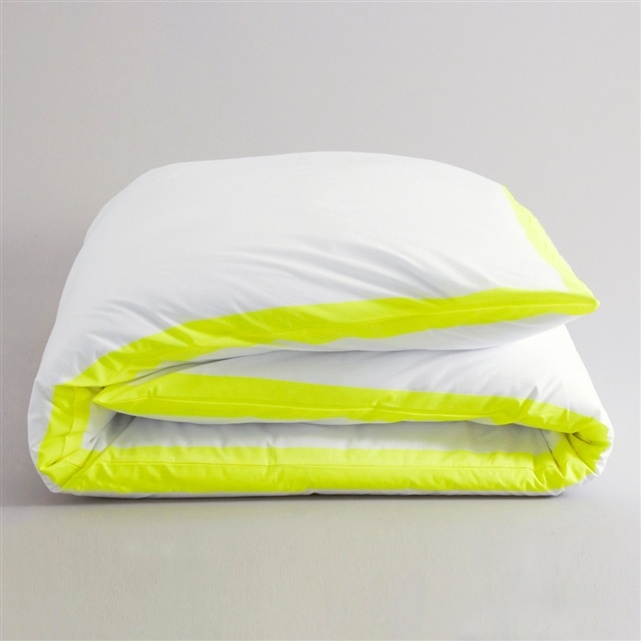 neon bedding  like the pop of colour