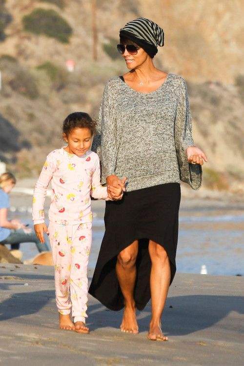 Halle Berry and Nahla enjoy some mother-daughter time at the beach