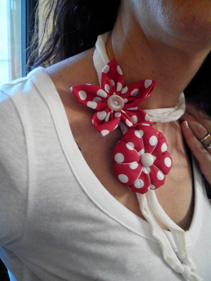 """Con le mani in pasta di """"MAIS"""": fiore di stoffa rotondo imbottito per bracciale e collana..................con tutorial"""