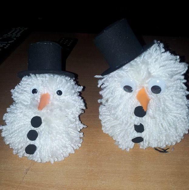 DIY **snowmen** yarn cardboard eyes - Made by Yvonne DK