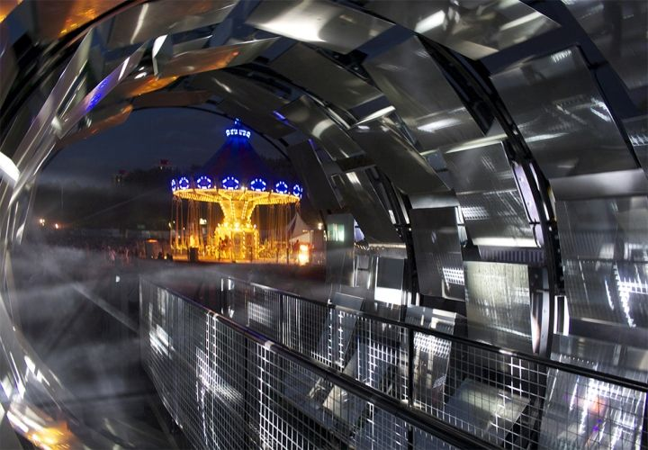 Straylight touring installation by BAT Studio for HTC, UK » Retail Design Blog