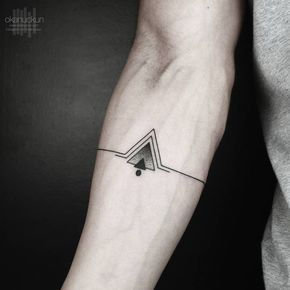 Tattoo Art Ligne et géométrie Triangle