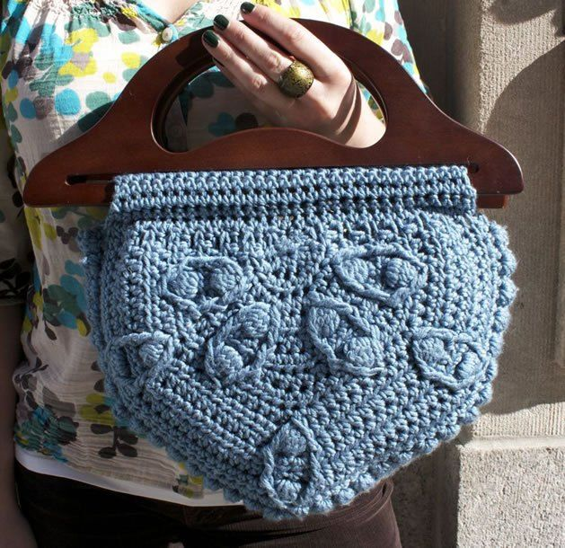 Half Medallion Bag Crochet Along With Lion Brand Yarn