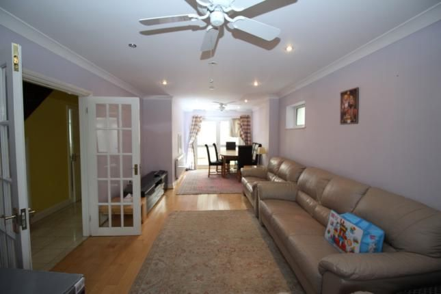 4 bed detached house to rent in Shackleton Rd, Slough