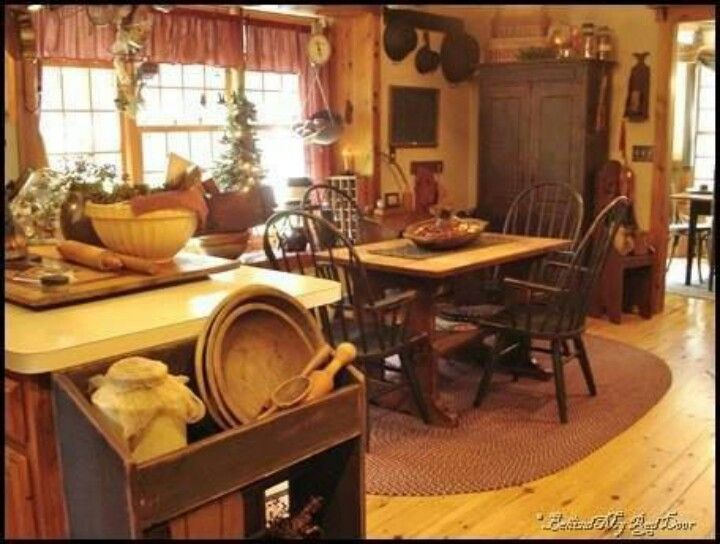 17 best images about colonial prim homes on pinterest for Primitive living room ideas