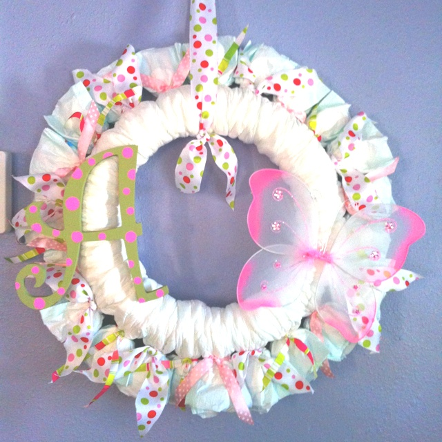 Diaper wreath with butterfly wings craft ideas for Diaper crafts for baby shower