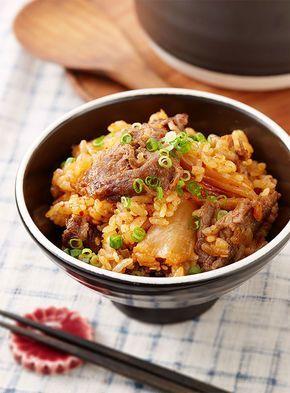 寒い季節にこそ食べたい炊き込みご飯。具材や味付けで、そのバリエーションは無限大です。今回は、また作ってほしい♡と喜ばれそうな激うまレシピをピックアップしました。