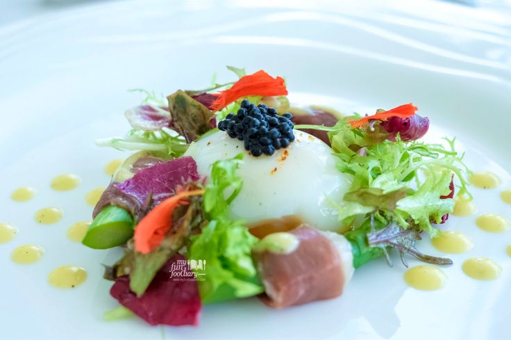 A simple Asparagus Salad at Ju-ma-na, Banyan Tree (Bali) beautifully presented with poached egg, asparagus, and caviar on top! ❤️ http://bit.ly/jumanabali?utm_campaign=coschedule&utm_source=pinterest&utm_medium=Mullie%20Marlina&utm_content=%5BBALI%5D%20Romantic%20Lunch%20Sea%20View%20at%20Ju-Ma-Na%2C%20Banyan%20Tree