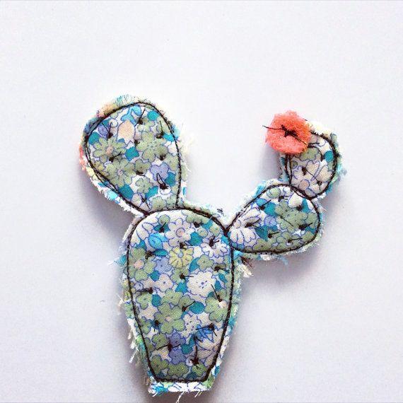Broche de flores de cactus por alittlevintagestore en Etsy