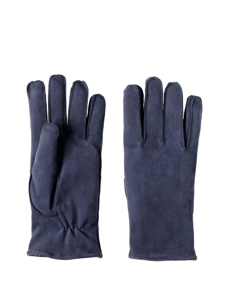 Morbida pelle scamosciata cucito a sellaio. La fodera in ecofur con stampo camouflage  lo rende molto sportivo e adatto anche ai nostri clienti più giovani. Disponibile in Blu e Marrone. #guanti #restelli# #collezione #uomo #accessori #gloves