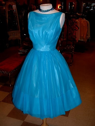 turquoise party dress.: Party Dresses, Turquoi Parties, Parties Dresses, Wanna Wear, Turquoise Parties, Kinda Style, Turquoise Party, Anniversaries Parties