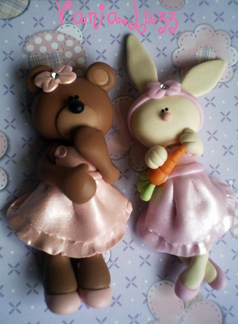 *SORRY, no information as to product used ~ Aplique Ursinha e Toelhinha by Sonho Doce Biscuit *Vania.Luzz*, via Flickr