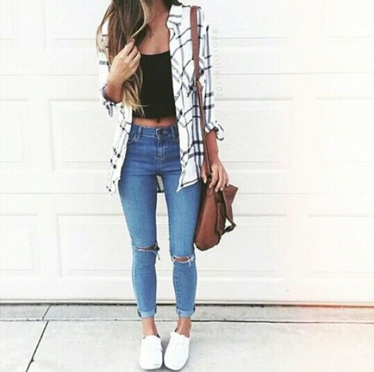 Crop top with a flannel, skinny jeans,and shoes.