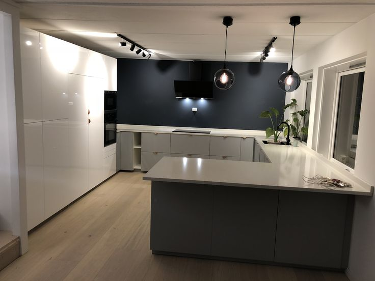 Kitchen from IKEA pimped with superfront holy wafers and carrara quartz stone top from Diapol. In love with our new kitchen!