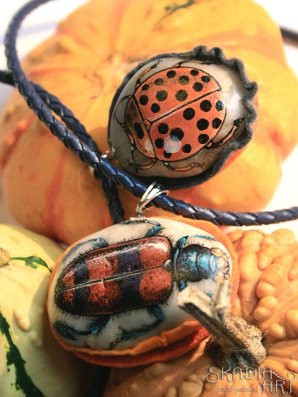 Stone necklaces with a hand-painted insects by SkadiaArt