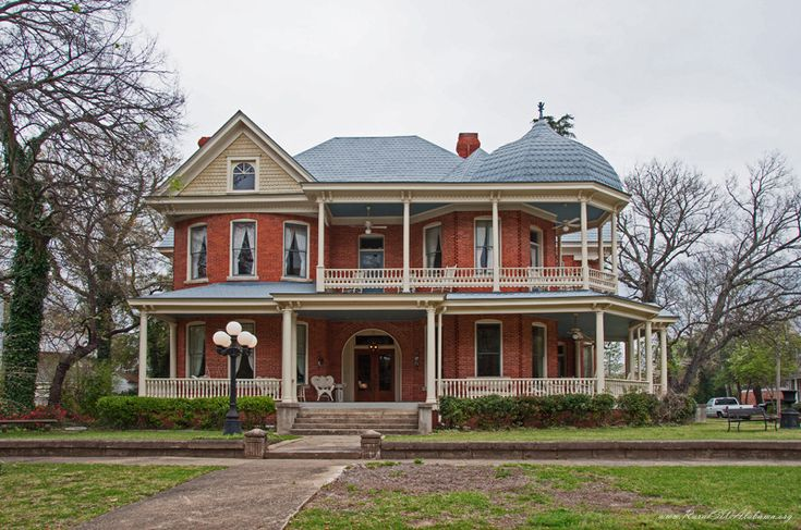 Strother house at selma al 2 1 2 story queen anne style for One story queen anne