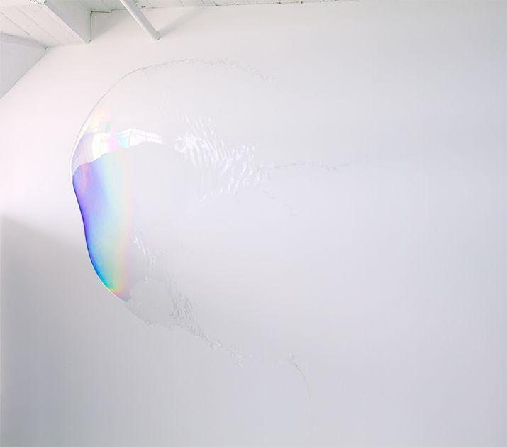 Tobias Hutzler, air (photographic series)