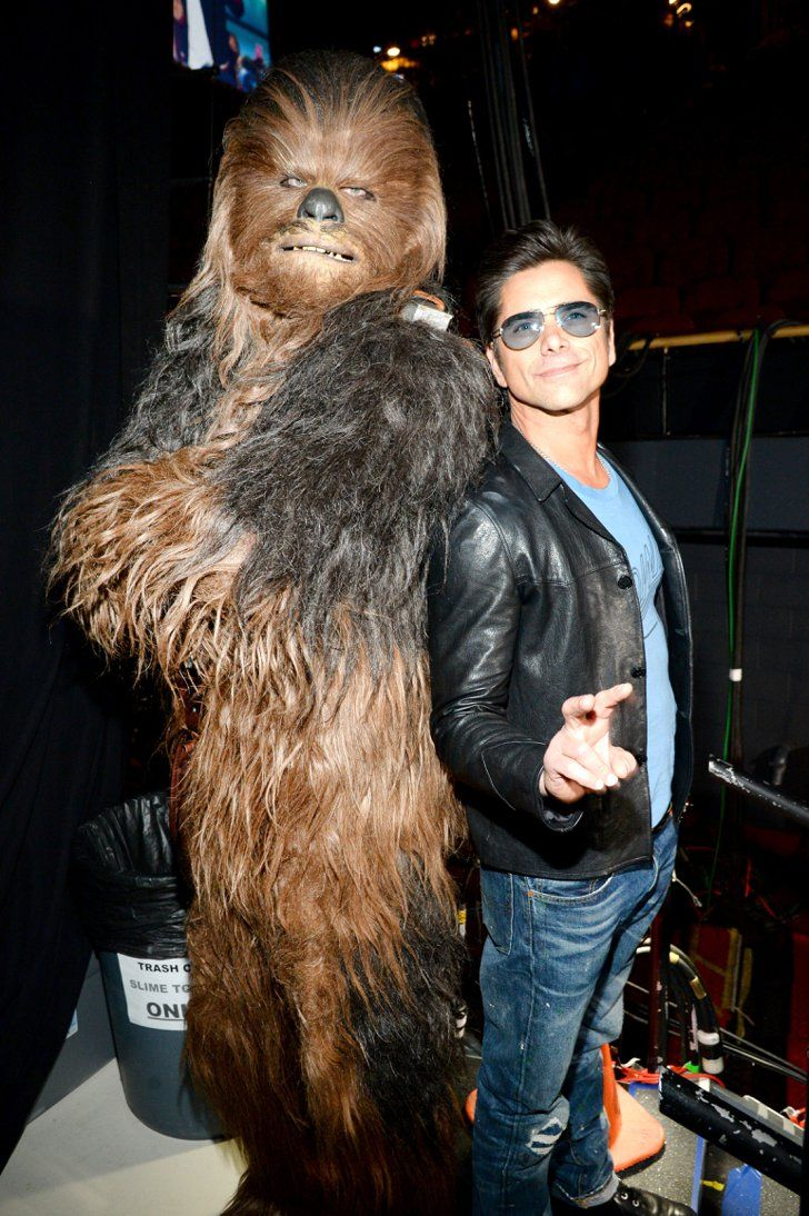 Pin for Later: Retour Sur les 17 Meilleurs Moments des Kids' Choice Awards 2016 John Stamos et Chewbacca