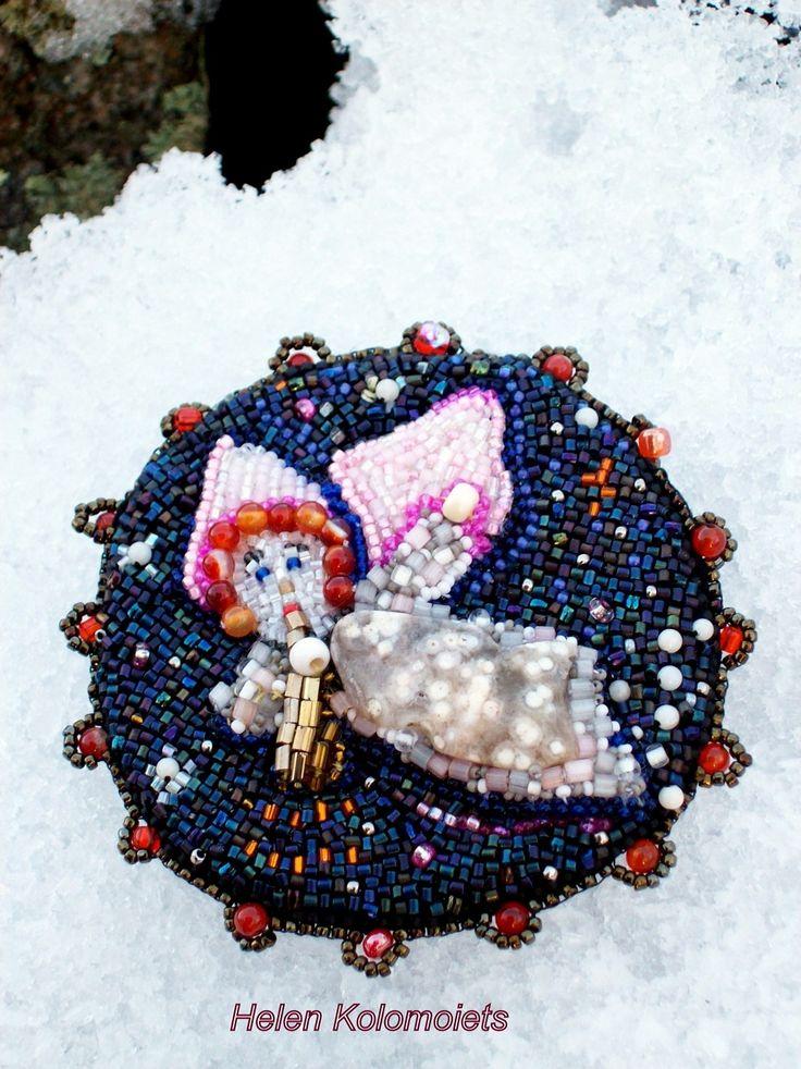 """Helen Kolomoiets. Brooch """"Angel Christmas"""". Embroidery beaded. Елена Коломоец. Брошь '' Ангел Рождества''. Вышивка бисером. #ЕленаКоломоец #вышивкабисером #брошьангел #рождественскийангел #эксклюзив #впродаже.  #handmadejewelry #beadedjewelry  #beadedembroidery #beadedpin #beadedbrooch #brooch #broochangel #embroideryart #handycraft  #youcanbuy #nowilveinsweden #shippingfromsweden #kolomoietshelen"""