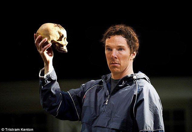 Benedict Cummerbatch as Hamlet | Benedict cumberbatch, Benedict