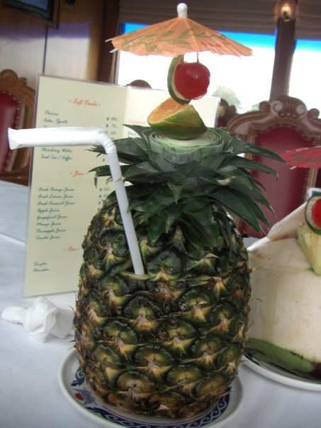Pineapple cocktail, Cocktails and Cuba on Pinterest