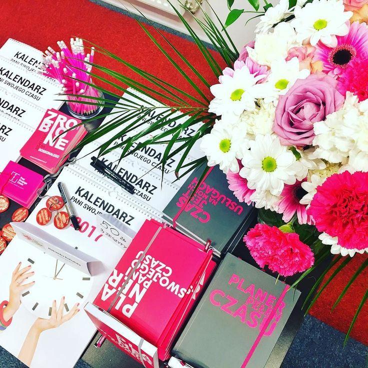 Tak wygląda stoisko PSC na Gali w Gdańsku. Nieźle co??? Full profeska  #gdańsk #gala #prelekcja #wykłady #psc #paniswojegoczasu #motywacja #planerpsc #plannergirl #planneraddict #kalendarzpsc #kalendarz #calendar #plannerlove