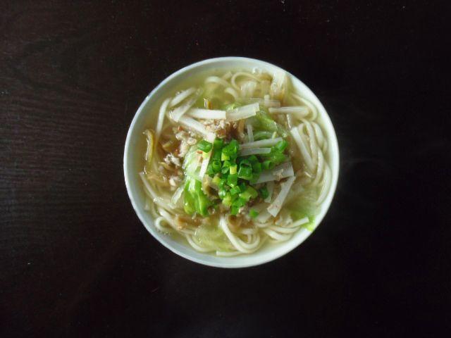 搾菜肉絲湯麺