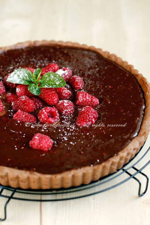 crostata alla crema di cioccolato e lamponi     #recipe #juliesoissons