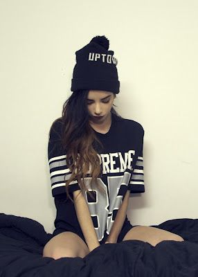 picture perfect idea: Jersey. Beanie. Hip Hop Fashion. Swag. Dope. Trill. Urban Fashion. Urban Outfit. Hip Hop Outfit