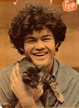 not sure if you've already posted this one of micky dolenz (of the monkees), but it's awfully cute.  -swissvanillabooboo
