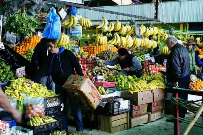 4. La Vega Central: Santiago, Chile Off the beaten path of the city's center, La Vega is a hidden gem in the usually crowded Santiago streets. The market is filled with colorful produce and freshly butchered meats, and is a true reflection of the culture of the country, with vendors offering street food like sopaipillas, deep-fried pumpkin dough, to office workers and laborers on their lunch break. Stands around the market sell local treats like freshly blended juices using seasonal fruits
