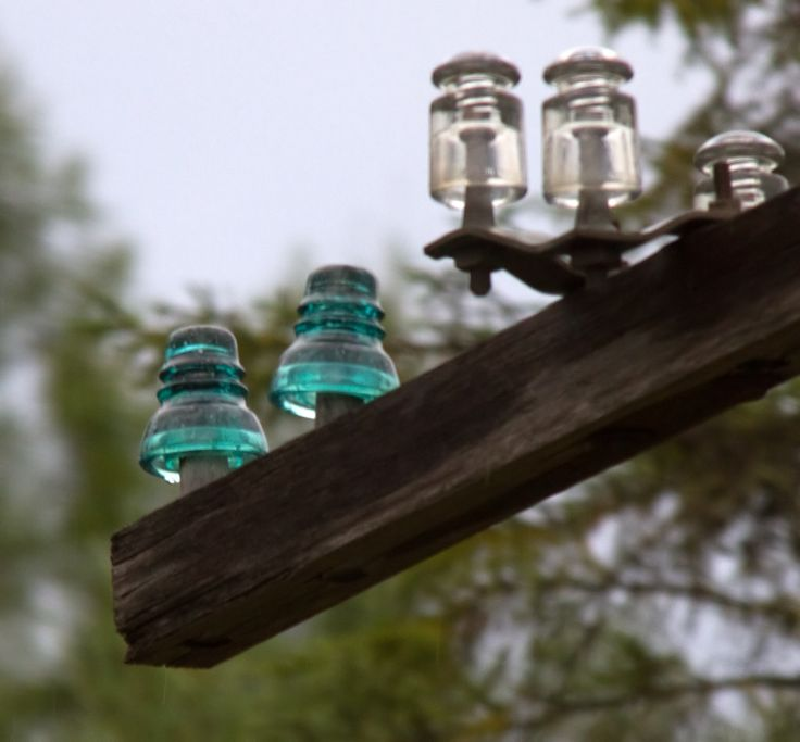 57 best antique glass insulators railroad telephone for Glass conductors