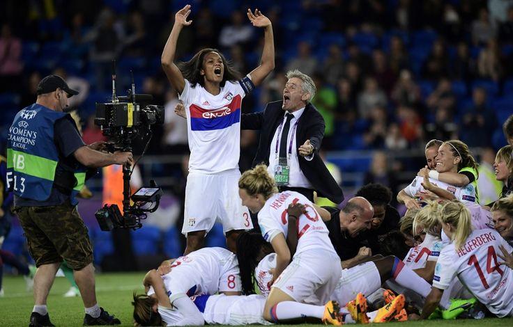 Wendie Renard, Gérard Prêcheur et tout l'OL ont bondi de joie après la séance de tirs au but remportée ce jeudi.