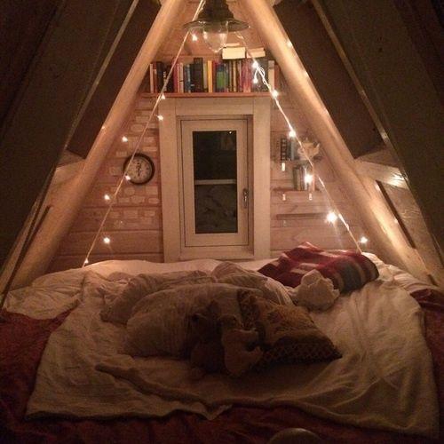 Cozy Tumblr Bedroom Ideas: 25+ Best Ideas About Attic Rooms On Pinterest