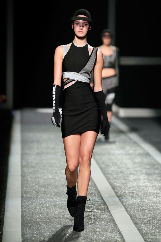 Confira o desfile de Alexander Wang & H & M ontem em New York! [Runway]