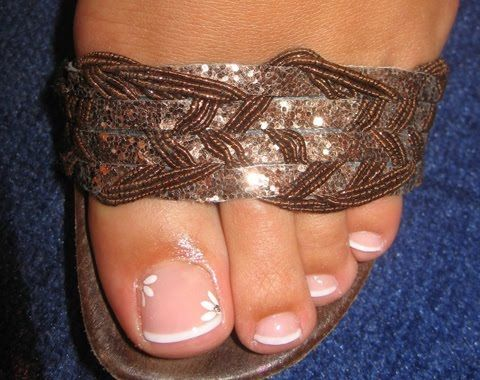 Toenail Designs: French Toenail Designs