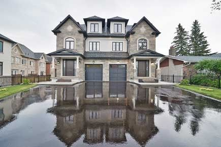 Yonge & 16th Ave Magnificent Custom Built Home By Royal Haven Homes.Designed & Distinctive Crafted W/Grandeur & Sophistication In Mind.Over 3622 Sqft Of Luxurious Living Space.9' Ceilings In Main Floor With Walk -Up Basemen.Custom Kitchen With Granite Counter Top Custom Built Vanity In All Bathrooms.High Quality Crown Moldings.Staircase With Wrought Iron Spindle.High Quality Basemen Includes 4 Piece Bathroom.All Bathtubs On Upper Floor Are Whirlpools With Rain Shower.