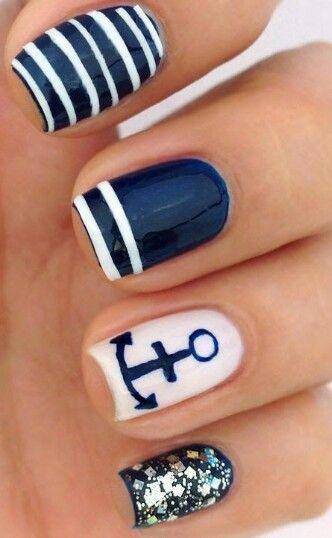 nautical inspired manicure!